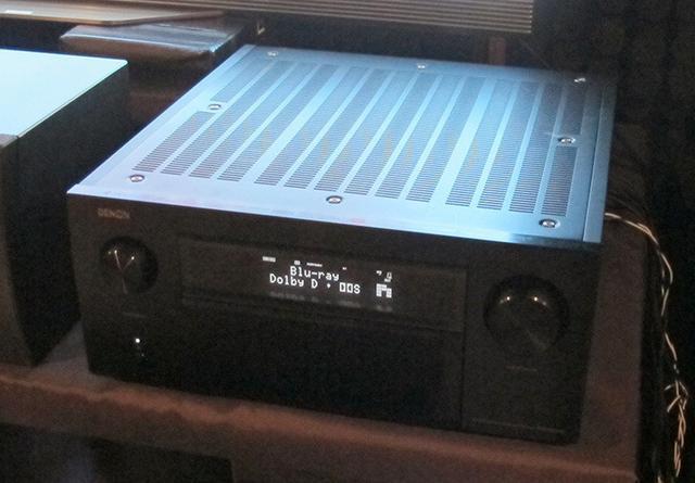 画像: AVアンプはHiVi視聴室のリファレンスと同じ、デノンの13ch対応一体型「AVR-X8500H」