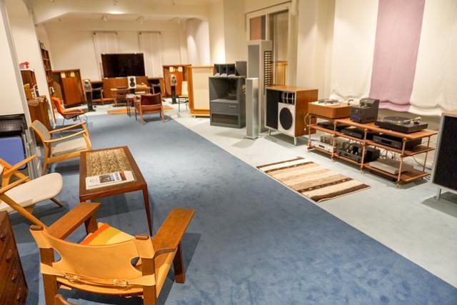 画像: こちらはレガート向かいのビル内にある試聴スペース「サウンドクリエイト ラウンジ」の様子。JBL「D30085 ハーツフィールド」などの貴重なヴィンテージオーディオを数多く展示している。訪れたい方はレガートのスタッフに申し出ると案内してもらえる