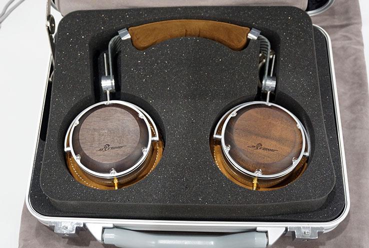 画像: オーブラボーが最初に手掛けたヘッドホン「HAMT-1」 shop.obravo.jp