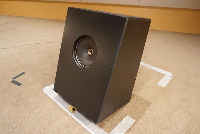 画像: レポート取材時に聴いていたのが、ジェンセンの「C6R」。エンクロージャーは、ウェスタン・エレクトリック618Cを復刻したウェスタン・サウンド・インク(W.S.I)製「618C Jr」(618Cより一回り小さい)