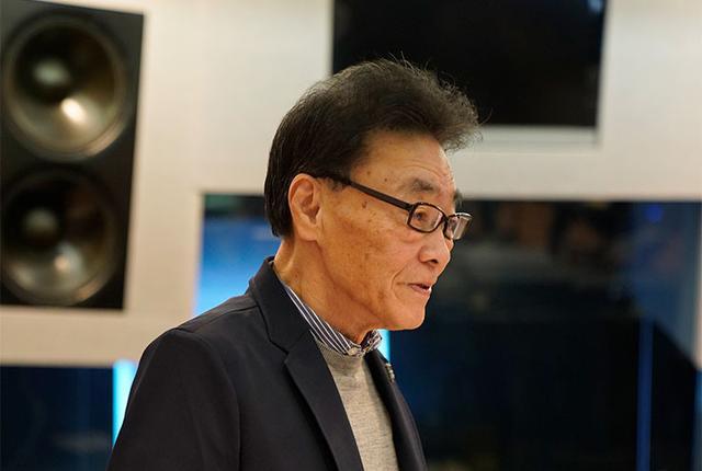 画像: 試聴会の冒頭、本作の紹介をするミキサーズ ラボ会長の内沼映二氏