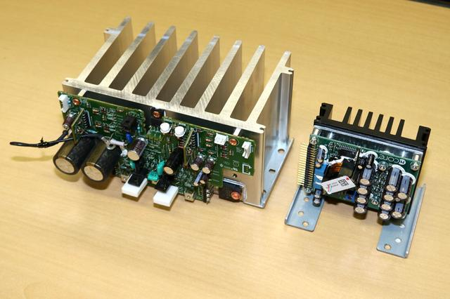 画像: PM-10のパワーアンプブロック(左)とPM-12の同ブロック。ともに片チャンネル分。大きさの違いが分かるはず