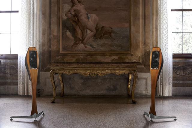 画像: 伊フランコ・セルブリンから、優雅な曲線を持ったスピーカー「LIGNEA」が発売。74万円(ペア)