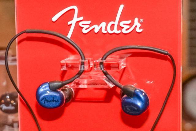 画像: フェンダー、スマホ対応エントリー向けIEM「CXA1」のブルーモデルを7月13日に発売。φ8.5mmドライバーを1基搭載