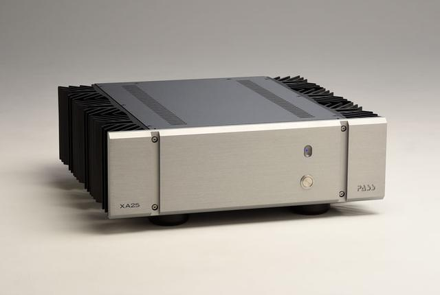 画像: パスのA級ステレオパワーアンプ「XA25」は力強い音が持ち味。2chオーディオからAVユースまで満足できる