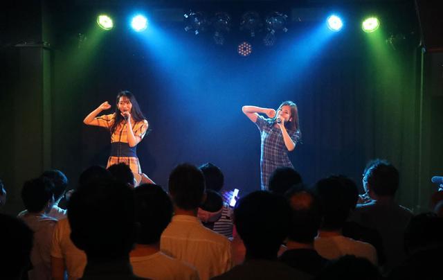 画像: WHY@DOLL/Yes Happy!と東京でハッピーなコラボを展開。浦谷はキッレキレハイテンションなダンスを披露