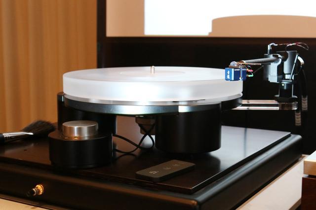 画像: Tien Audioのターンテーブル「TT3」が、7月11日に受注を開始。磁力フローティングのプラッター採用