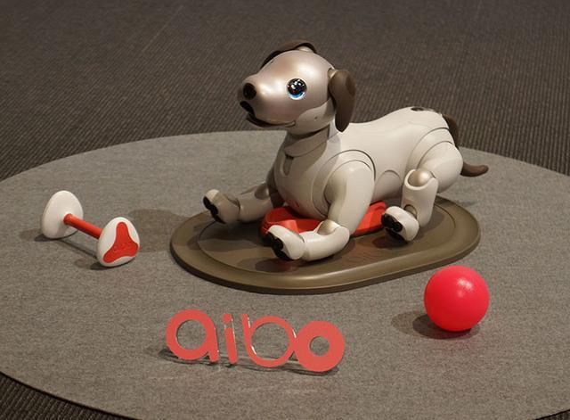 画像: ソニーの「aibo」(アイボ)が12年ぶりに復活。好奇心を持って、飼い主に寄り添う存在に!