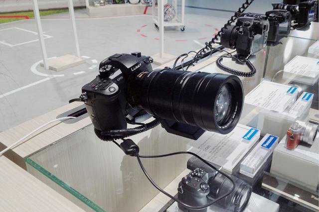 画像: 【御法川裕三のIFA 2017速報4】パナソニック、9月下旬に追加を予定するデジタル一眼カメラLUMIX「GH5」の新機能をデモ