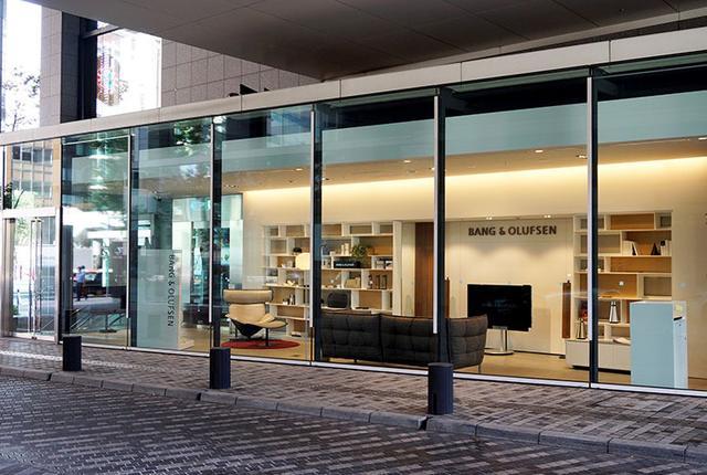 画像: 9月1日、東京・外苑前に「バング&オルフセン外苑前」がオープン。上質なリビングルームをイメージした空間で製品を吟味できる