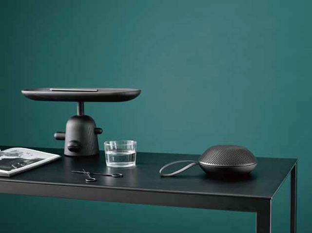 画像: vifa、ブランド最小のBluetoothスピーカー「Reykjavik」、12/1より発売。金属外装のブラックモデルも用意