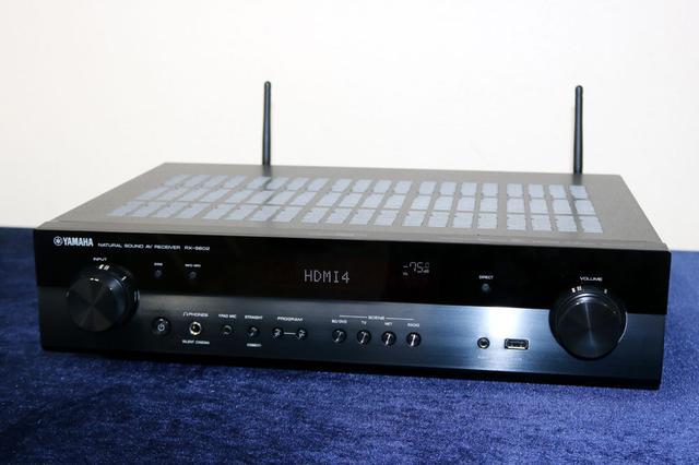 画像: 新AVアンプ「RX-S602」。5ch分のパワーアンプを搭載し、シネマDSP 3Dモードは、17プログラムに対応する。写真はブラック仕様
