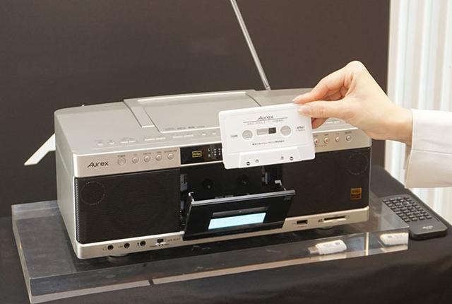 画像: 東芝、カセットテープをハイレゾ品質で楽しめるラジカセ「TY-AK1」を3月下旬に2万7000円で発売