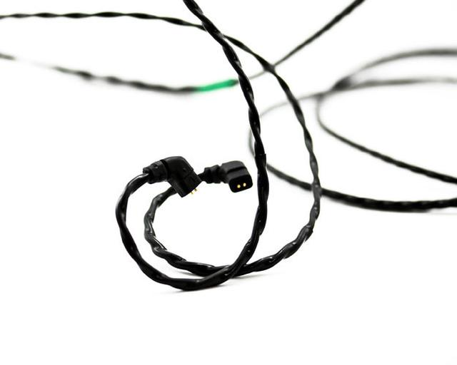 画像: Beat Audio、カスタムIEM向けのハイエンド交換ケーブル「Emerald」、「Signal」、「Vermillion」3種発売