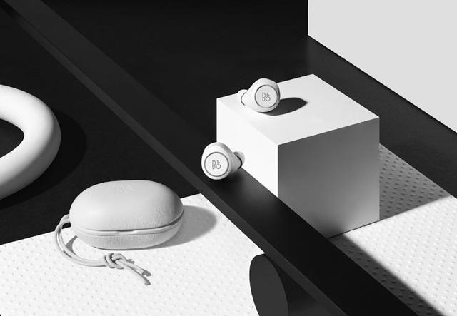 画像: Bang&Olufsen、完全ワイヤレスBluetoothイヤホン「Beoplay E8」に新色のオールホワイト&オールブラックを追加