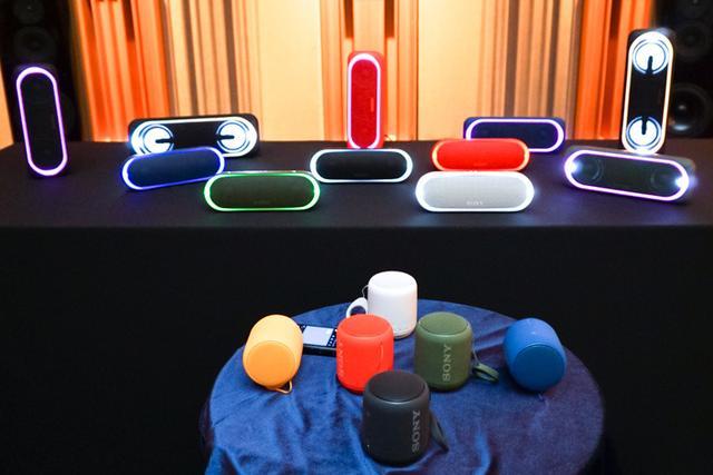 画像: ソニー、LEDイルミが光り輝く重低音志向のBluetoothスピーカー「SRS-XB40」など4モデルが誕生
