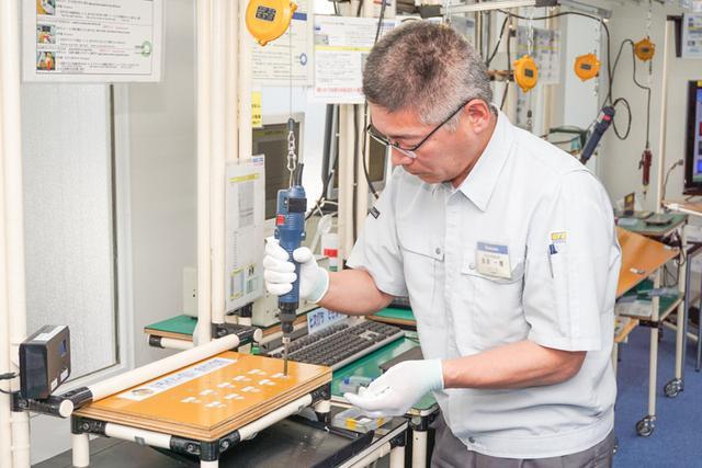 画像: パナソニック、モノづくりの聖地で4K有機ELビエラ製造ラインを公開匠が手がける日本製へのこだわり(3)