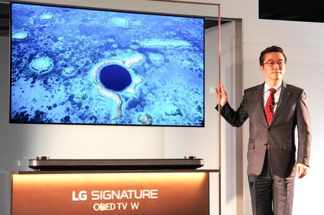 画像: 【発売日変更】LG、壁に貼れる有機ELテレビ「65W7P」の発売日を5月12日に変更