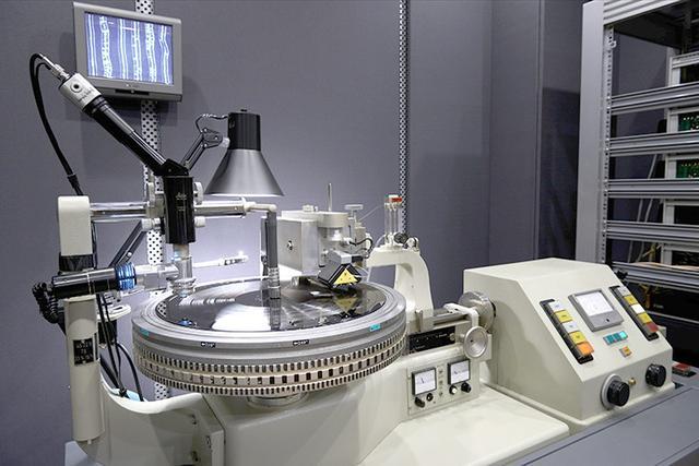 画像: ソニー・ミュージック、レコードのマスター制作を開始スタジオにカッティング機を導入