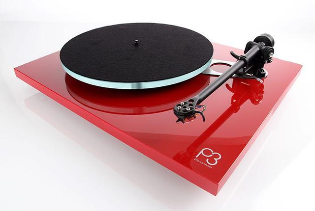 画像: Regaのアナログプレーヤー「Planar 3」と「Planar 2」に待望の赤色モデルが追加