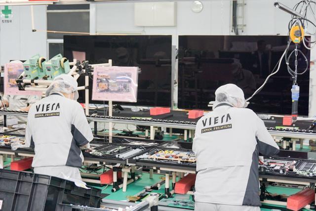 画像: パナソニック、モノづくりの聖地で4K有機ELビエラ製造ラインを公開匠が手がける日本製へのこだわり(1)