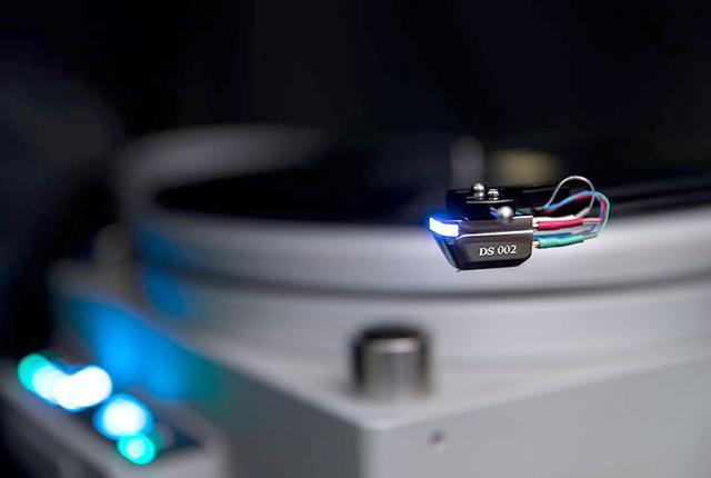 画像: DSオーディオ、光カートリッジの新モデル「DS002」を発表。アルミ製カンチレバーとシバタ針を採用