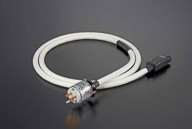 画像: aetから、従来品より太い0.45mm径導体を採用した電源ケーブル「EVO-1304H AC」が誕生