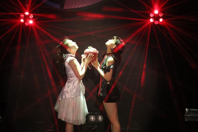 """画像: 東京パフォーマンスドールメンバープロデュース公演第3弾上西と脇の""""赤の流星""""も始動"""