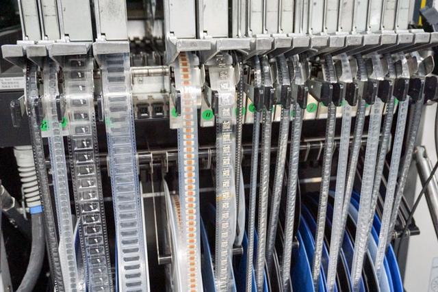 画像: パナソニック、モノづくりの聖地で4K有機ELビエラ製造ラインを公開匠が手がける日本製へのこだわり(2)