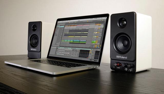 画像: ローランド、デスクトップサイズのアクティブスピーカー「MA-22」とBluetooth対応「MA-22BT」を発表