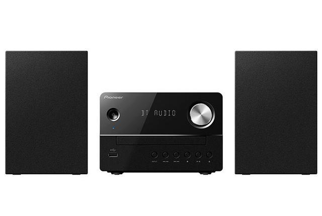 画像: パイオニアのBluetooth対応CDコンポX-EM26は実売¥17,000。全幅422mmのコンパクトサイズ