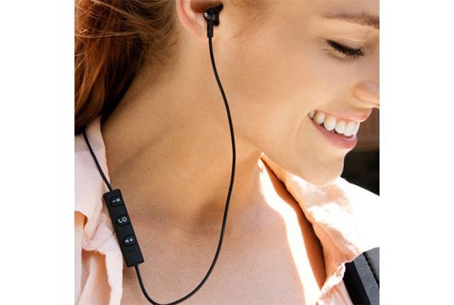 画像: 実売4千円のBluetoothイヤホンミーオーディオ「M9B」2台の機器との同時接続に対応