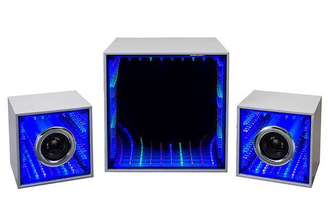 画像: OEN「SW-H200BT」音に合わせてLEDが光る2.1ch Bluetoothスピーカー