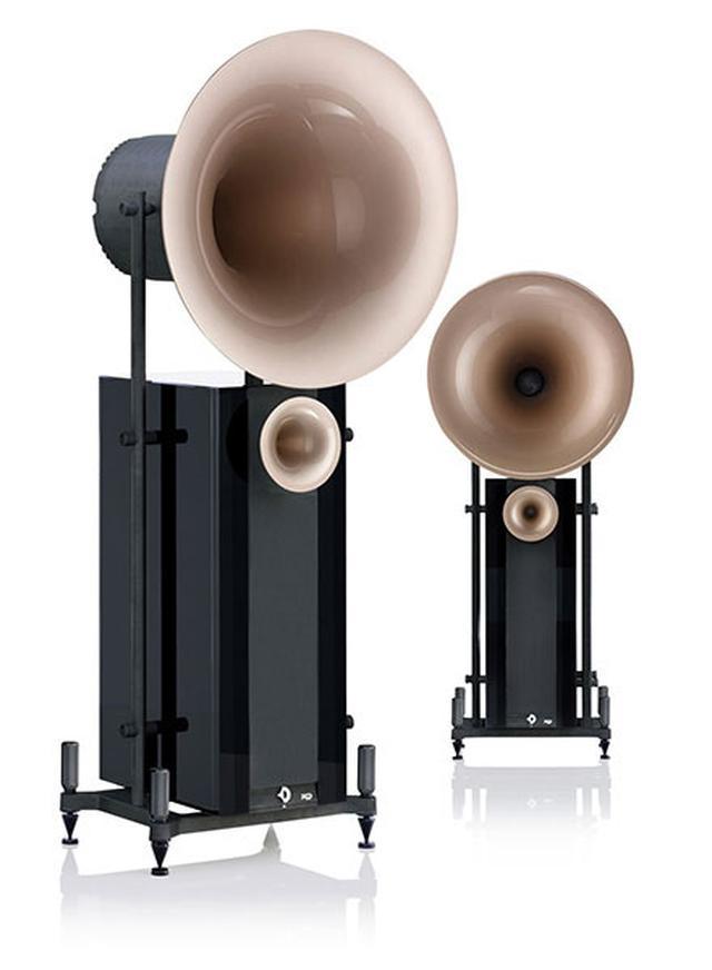 画像: Avantgardeのホーンスピーカーシステム「DUO XD」のピアノブラック仕上げとなる「~BLACK EDITON」。価格はペア500万+税。写真のホーンカラーは「ライトアンバーブロンズ」