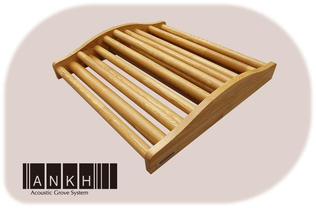 画像: 「ANKH-VI」壁や天井以上に反射音の影響が大きい床面に特化した床置きタイプ