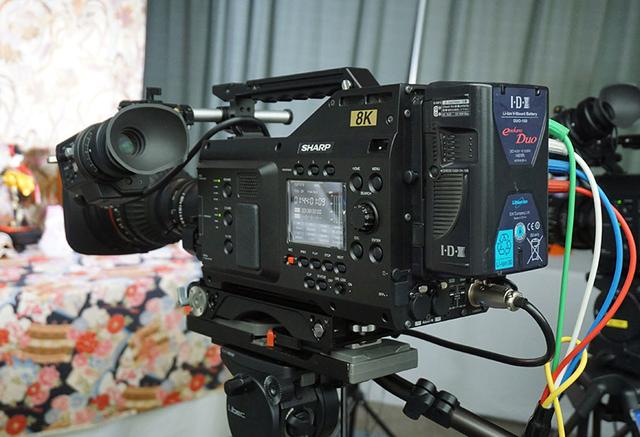 画像: シャープブランドで発売されている8Kカメラ、8C-B60Aもデモ。実際に撮影した映像も表示されていた