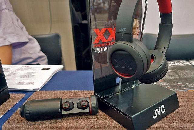 画像: 2F・JVC:タフ&重低音が持ち味の「XX」シリーズ新作を体感すべし
