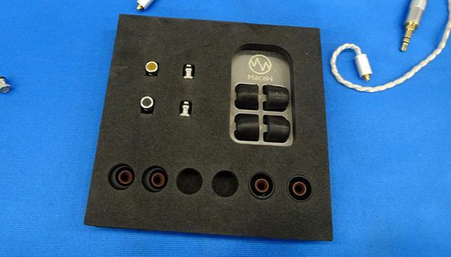 画像2: 【B1F・MacaW】マカウのイヤホンは、ノズル交換で音色の変化を楽しめる