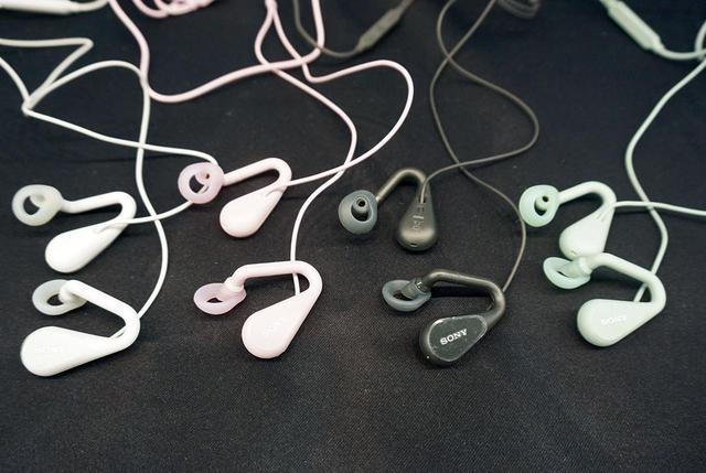 画像3: 2F・ソニー:完全ワイヤレスイヤホンに、ながら聴きイヤホンと最先端が並ぶ