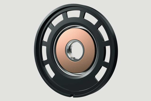 画像: 新開発となる強固な制振フレームは、不要な振動を抑制し、音場感の再現にも優れるとしている