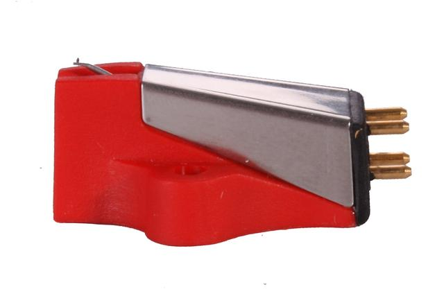 画像: 赤いボディが映えるBias 2