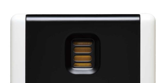 画像: JETツイーターは同社お馴染みのものだが、今回はJETⅤを搭載。振動板素材にはカプトン、磁気回路はネオジウムを採用している。アルミ電極パターンは従来のものより細かくなるように改良がされ、実行面積は20%拡大している。軽量化も計られており、50kHzまでというワイドレンジな再生を実現している。パッシブ型のスピーカーでは、200シリーズと300シリーズに同じくJETⅤが搭載されている