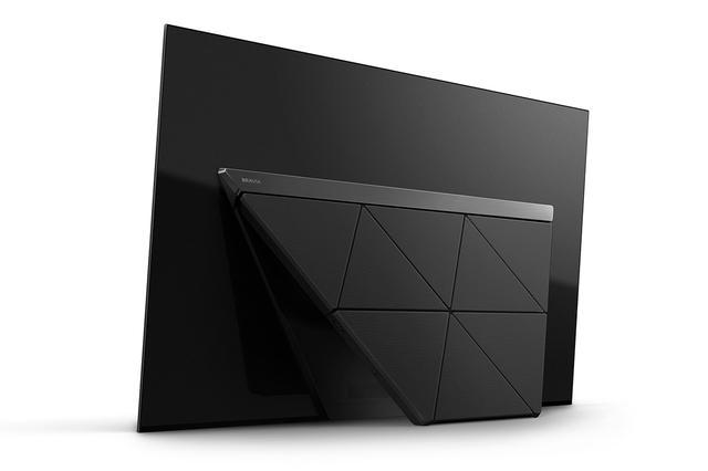 画像: AF9の背面。新デザインのスタンドを採用