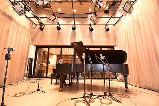 画像: 10月と11月に出演する、野瀬栄進氏のレコーディングの模様