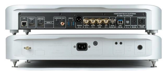 画像: Reference DAC(写真上)とReference DAC(写真下)の背面パネル。写真上の右から4つめの端子が「PRO ISL」だ。電源はビデオ系とオーディオ系が完全に分離されて供給される