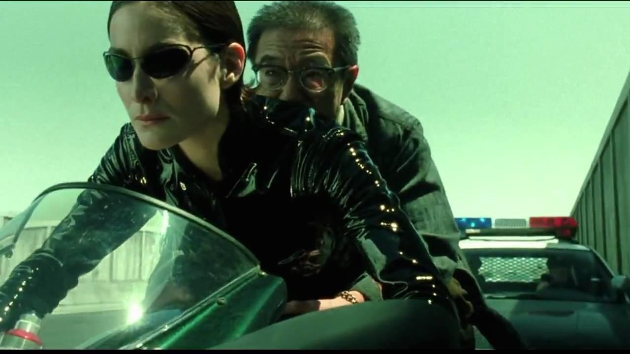 画像: The Matrix Reloaded: Trinity on Ducati 996 www.youtube.com