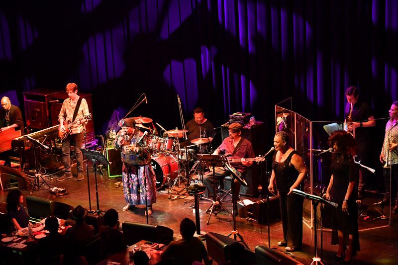 "Images : 4番目の画像 - 「カーラ・トーマス&ザ・メンフィス・オールスター・レビュー 60年代メンフィス・ソウルを代表する""クイーン""が、最高峰のメンバーと共に来日」のアルバム - Stereo Sound ONLINE"