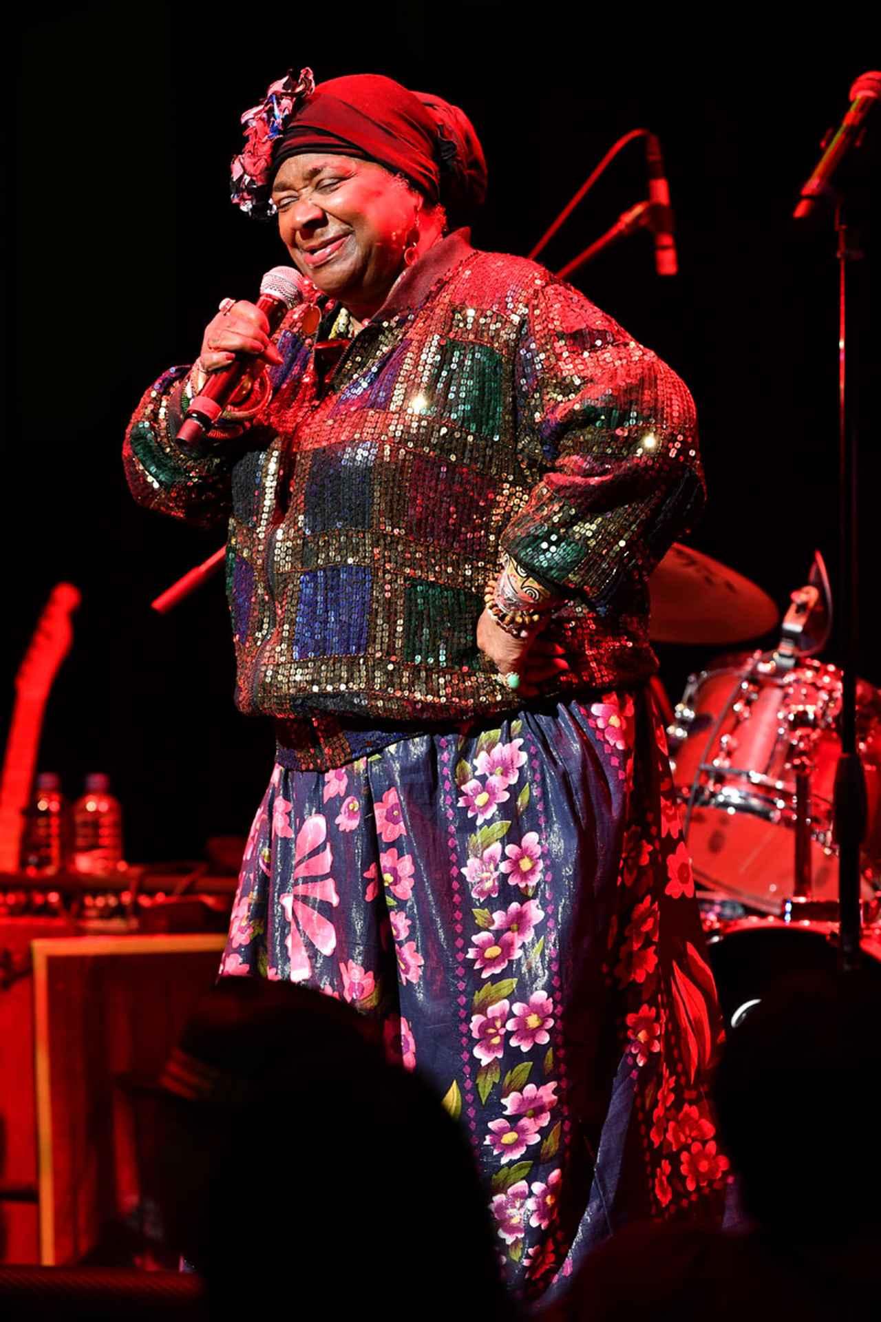 "Images : 12番目の画像 - 「カーラ・トーマス&ザ・メンフィス・オールスター・レビュー 60年代メンフィス・ソウルを代表する""クイーン""が、最高峰のメンバーと共に来日」のアルバム - Stereo Sound ONLINE"