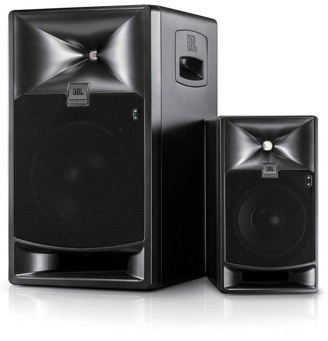 画像: JBL PROFESSIONALのパワード・スタジオモニター「705P Powered」(右)、「708P Powered」(左)。250W×2のパワーアンプを内蔵する。8月24日発売