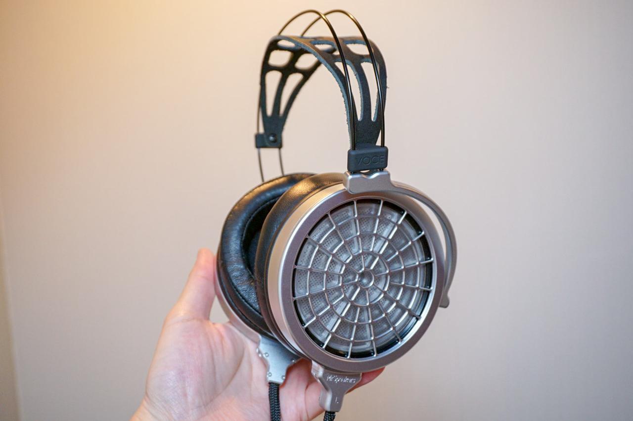 画像: MrSpeakersの静電型ヘッドホン「VOCE」。オープンプライスで想定市場価格は¥390,000前後